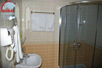 Отель Ideal 12